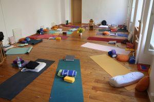 Yoga & Yogalehrer Ausbildung bei Yoga & Cure mit Dr. med. Wiebke Mohme – Teilnehmerstimmen
